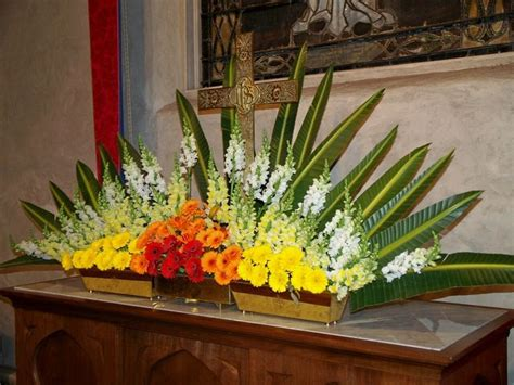 Fall Wedding Church Decorations - best 25 altar flowers ideas on pinterest delphinium wedding flower arrangements diy flower