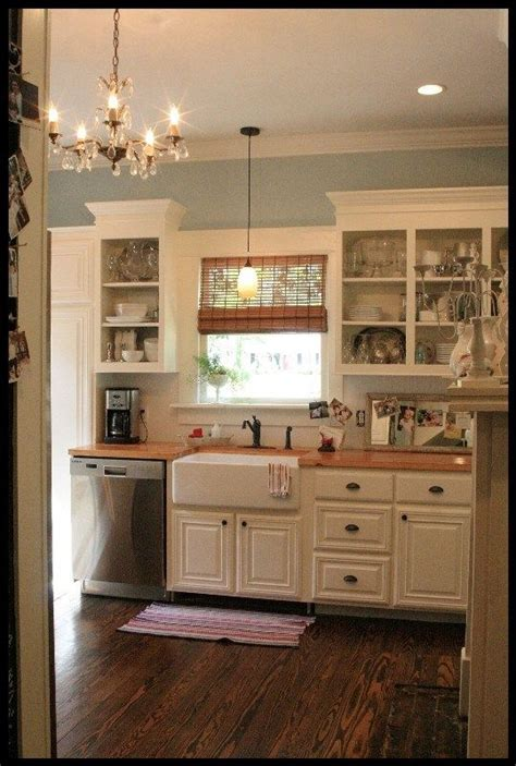 kitchen cabinet crown molding before after thediapercake 311396 best images about creative pinners on pinterest