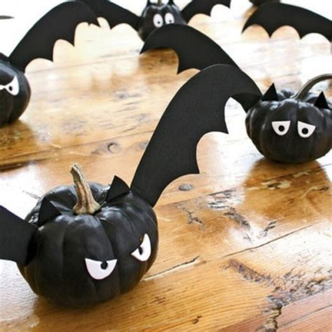 Bats Decorations by 30 Spiders Snakes And Bats Design Ideas For