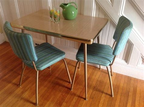 mid century modern kitchen table and chairs 1000 ideas about turquoise kitchen tables on