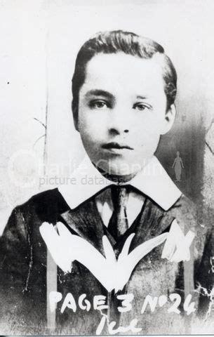 com en biography articles 21 overview of his life teksoy 95 charlie chaplin overview of his life