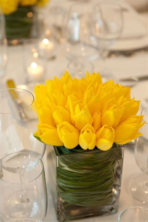 Best 25  Yellow centerpieces ideas on Pinterest   Lemon