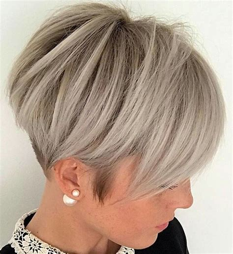 womens short hair chipped hair styles this pin was discovered by san