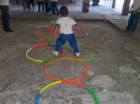dibujos de niños jugando ula ula ejercicios y juegos recreativos con hula hula y cuerdas