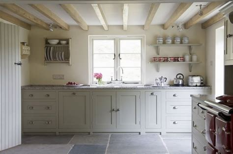 country kitchen ideas uk enkelvoudige balklaag blank gelakt met wit gestucd plafond