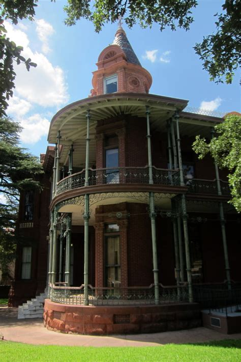 haunted houses in austin the story behind austin s most haunted house will give you nightmares