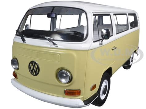 1971 volkswagen type 2 t2b yellow 1 18 diecast model car greenlight 19012