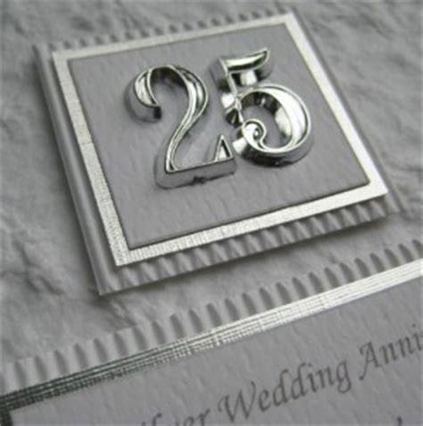 25 Wedding Anniversary Gifts by 25th Wedding Anniversary Gifts Find The Best Ones For 2018