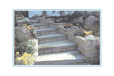 scala da giardino pavimento in pietra