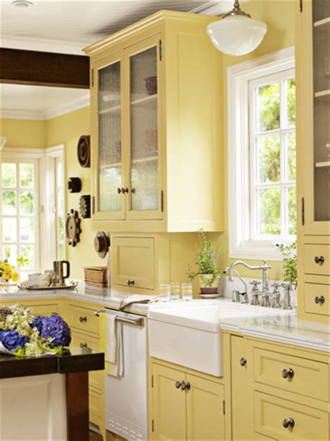 yellow painted kitchen cabinets yellow kitchen cabinets on pinterest pale yellow