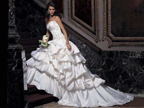 Simple Summer Wedding Gowns