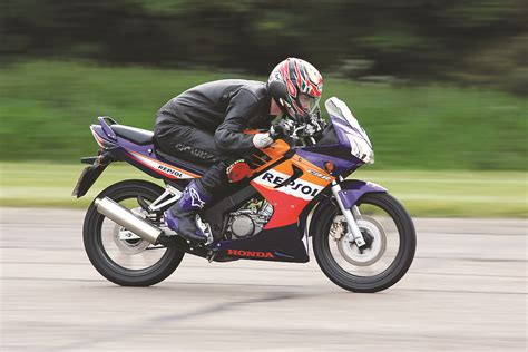 honda cbr125r niall s spin 2006 honda cbr125r review road tests