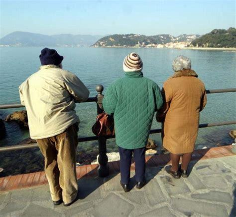 soggiorni per anziani liguria a mare l inverno e la primavera tornano i soggiorni di