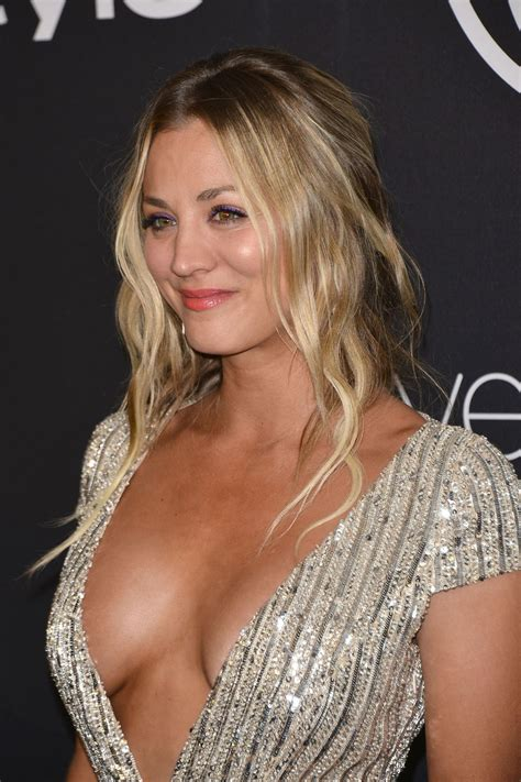 what technique is used on kaley hair kaley cuoco s cleavage http ift tt 2h04pzx celebrity
