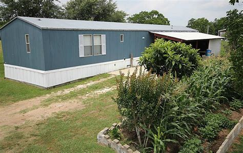 1085 harrison rd sealy tx mls 66953452 better homes