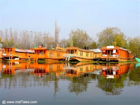 kashmir house boats houseboats in srinagar living an experience inditales