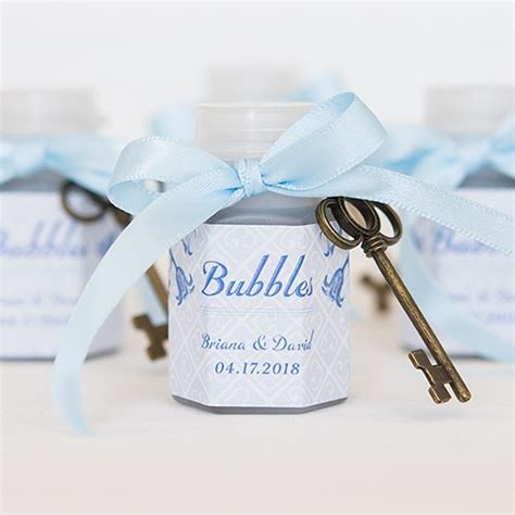 wedding favors bubbles wedding bubbles bottle favor weddingstar
