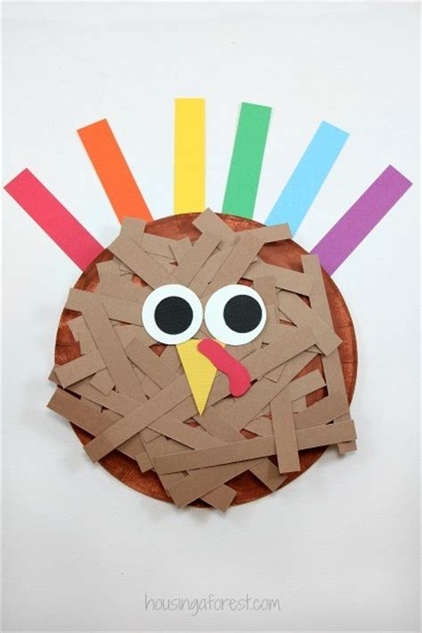 Turkey Papercraft - paper plate turkey housing a forest