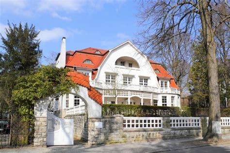 immobilien kaufen in deutschland immobilien kaufen und vermieten wohnen auf zeit in