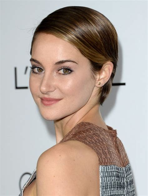 Shailene Woodley Hairstyles by Shailene Woodley S Hairstyles Playful Pixie Haircut