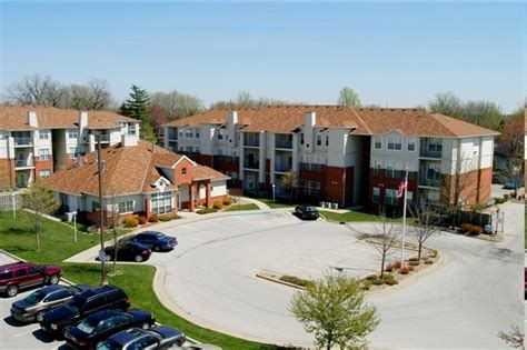 One Bedroom Apartments Bloomington In brickyard apartments rentals bloomington il