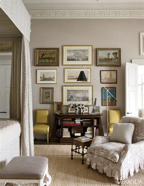 taupe living room what color is taupe and how should you use it