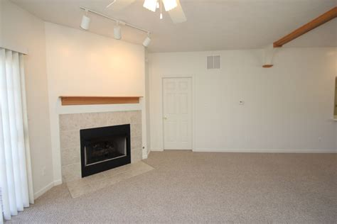 one bedroom apartments bloomington indiana meadowcreek garden terrace i one bedroom apartment rental