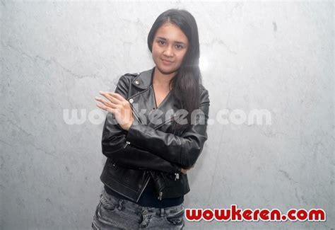 Dvd Indonesia Ily From 38000 Ft foto zudith tanda tangani 1000 cover novel ily
