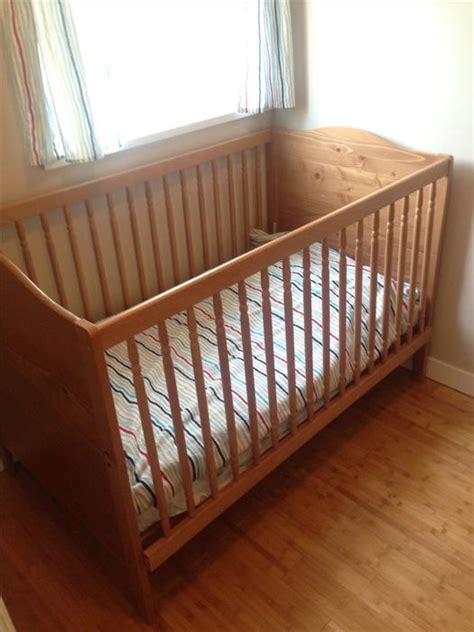Ikea Convertible Crib Toddler Bed Saanich Victoria Convertible Crib Bed Frame