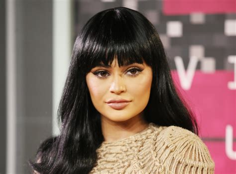 kylie jenner having body image issues following
