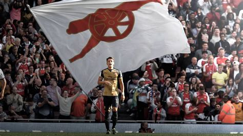 arsenal reddit an iconic photo of a player who will hopefully win a title