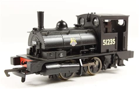 hornby pug hattons co uk hornby r2093c class b7 pug 0 4 0st 51235 in br black