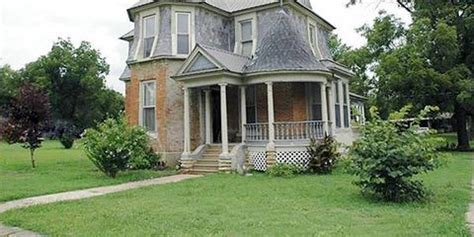 beautiful historic houses  sale    affordable real estate