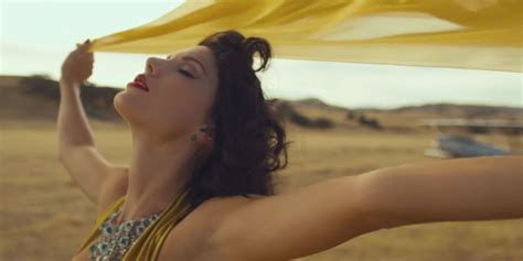 celebitchy taylor swift debuted her new video wildest watch taylor swift s new music video for wildest dreams