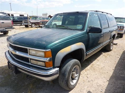 old car manuals online 1996 chevrolet suburban 2500 spare parts catalogs 1996 chevrolet suburban 2500 4wd inventory affordable classics inc auto dealership in