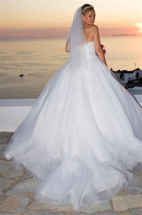 Wedding Dress with long veil #Santorini weddings   Wedding