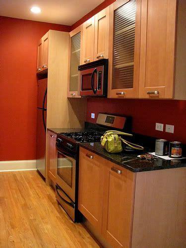 wall color  bright    fun kitchen colors