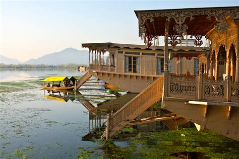 kashmir house boat the mystique of kashmir international traveller