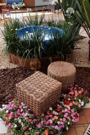 como decorar jardins pequenos pedras decora 231 227 o de jardins pequenos e simples veja fotos