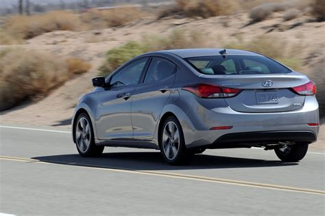 2015 hyundai elantra gets new colors and equipment upgrades 50 pics