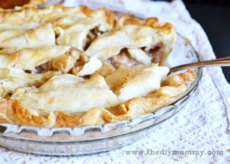 bake the flakiest country apple pie the diy mommy