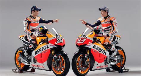 Seragam Motogp Honda Menyingkapkan Seragam Terbarunya Untuk Motogp 2013