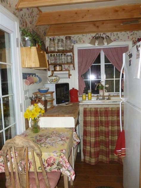 lowes she shed woman converts barn shed into 192 sq ft tiny home