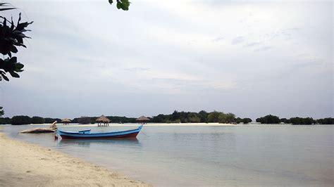 kemping ceria  pantai perawan pulau pari kepulauan
