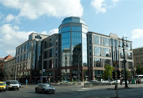 East West Center Mba by East West Business Center Budapest R 225 K 243 Czi 250 T 1 3 08