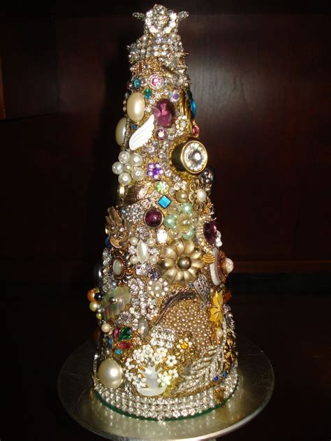 pretty cool tree out of vintage jewelry crafty - How To Make Tree Of Jewelry