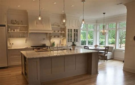 how much do custom kitchen cabinets cost cost