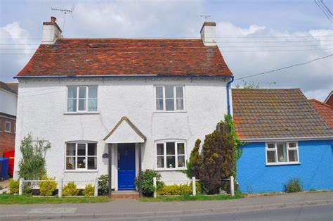 suffolk cottages for sale 2 bedroom cottage for sale in chelmondiston ipswich