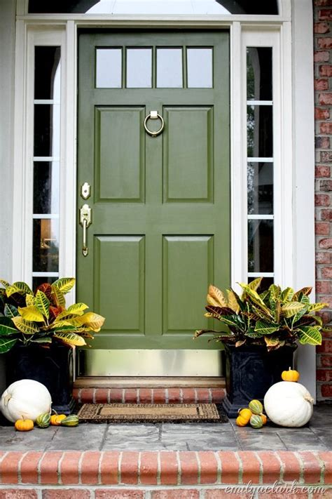 25 best fall front doors trending ideas on fall decorating ideas for the porch