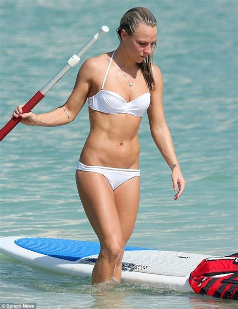 Chloe Madeley Displays Her Impressive Gym Honed Physique In Dubai Daily Mail Online